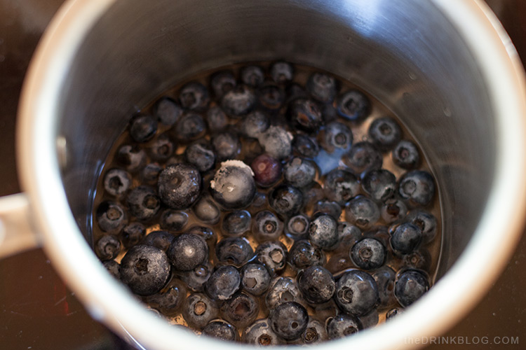 making blueberry simple syrup